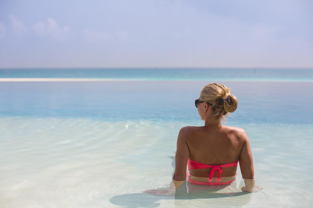 Andrea Berlin Maldiverna Velassaru
