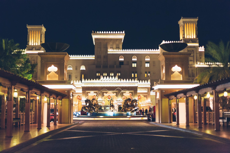 Dubai_Al_Qasr_Andrea_Berlin-4902.jpg