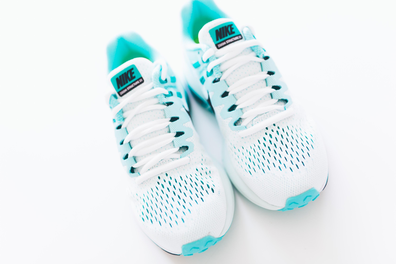 Andrea_Berlin_Nike_Structure_20_Woman_Running_Aqua_White-2077