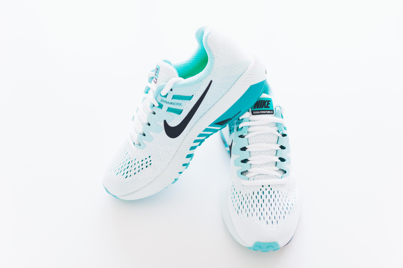 Andrea_Berlin_Nike_Structure_20_Woman_Running_Aqua_White-2080