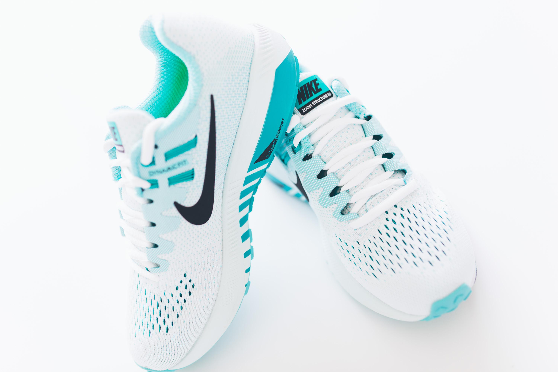 Andrea_Berlin_Nike_Structure_20_Woman_Running_Aqua_White-2081