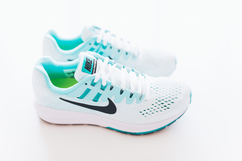 Andrea_Berlin_Nike_Structure_20_Woman_Running_Aqua_White-2083