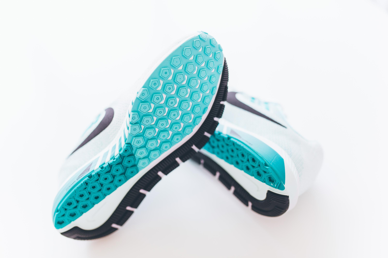 Andrea_Berlin_Nike_Structure_20_Woman_Running_Aqua_White-2088