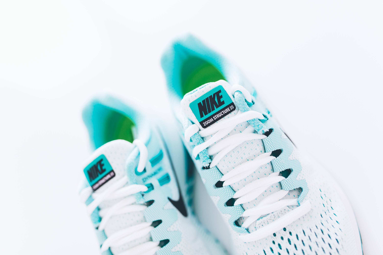 Andrea_Berlin_Nike_Structure_20_Woman_Running_Aqua_White-2099